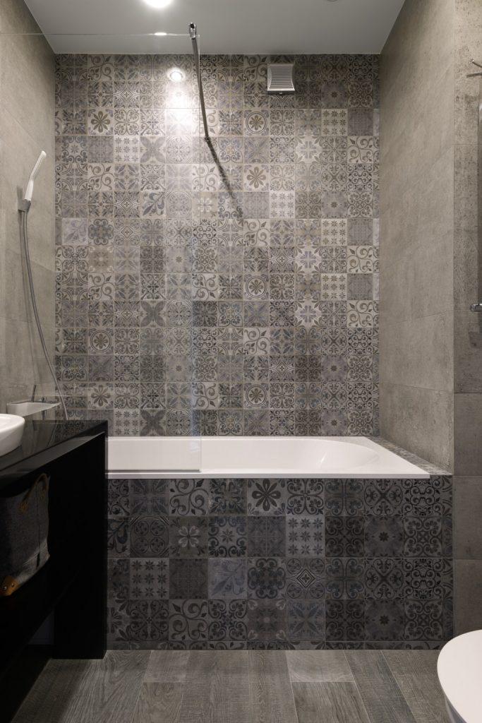 плитка с рисунками в ванной