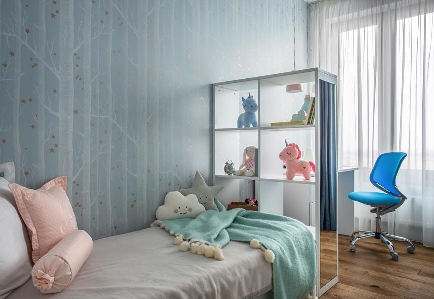 светопрозрачный стеллаж в детской