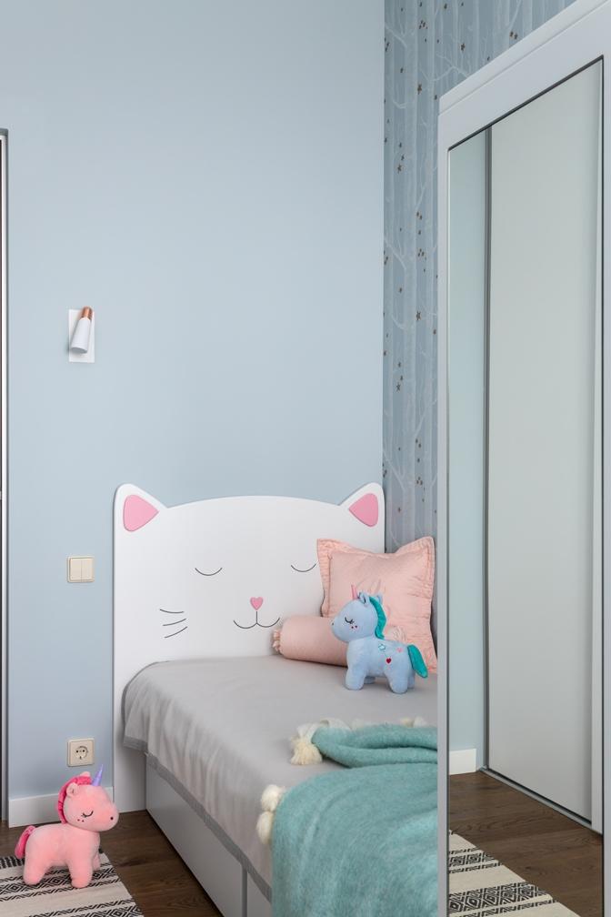 кроватка-котик для младшей дочки