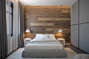 Паркетная доска на стене у изголовья кровати в master-спальне