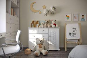 Комод с плюшевыми мишками в детской для двух девочек