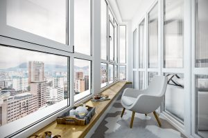 Балкон неправильной формы с хаотичной раскладкой