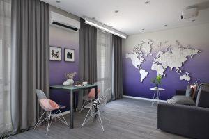 Студия в современном стилеView15 с картой мира на стене